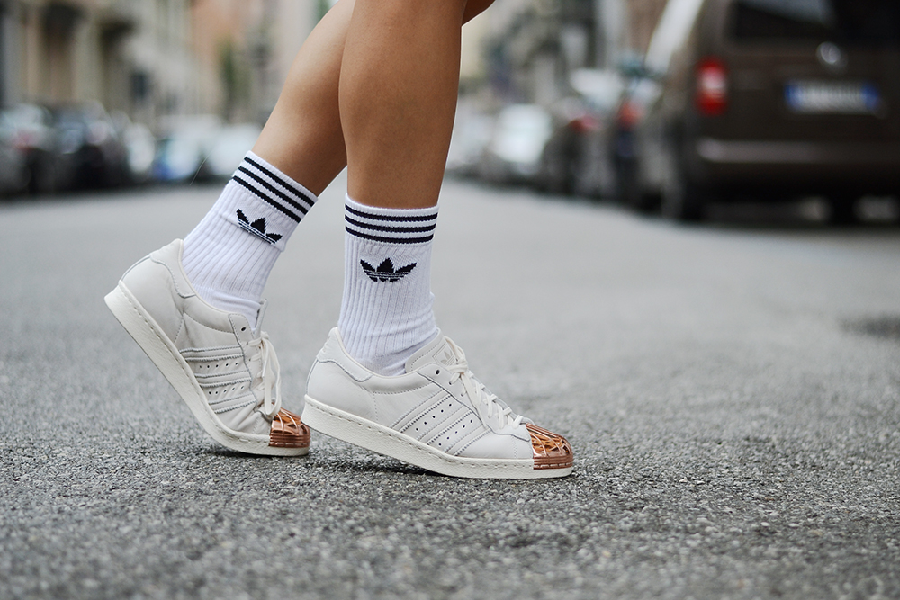 adidas superstar sneakers metal cap toe